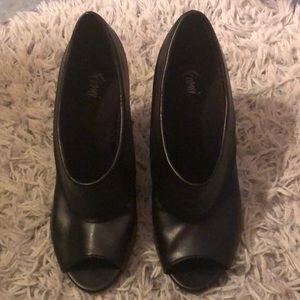 Fioni black peep toe heels size 8